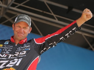 Kevin VanDam Comes From Behind To Win Cayuga Lake