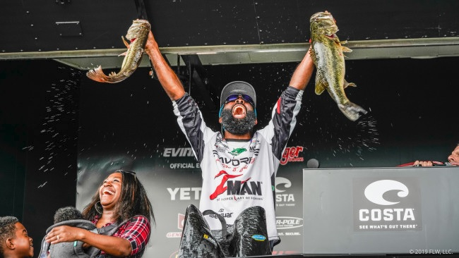 B. Lat Becomes A FLW Tour Champion (Watch His Day 4 Weigh-In)